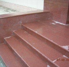 Лестница, ступени из гранита Империал Ред.jpg