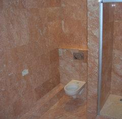Облицовка ванной: мрамор Россо Филиппино.jpg