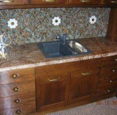 Столешницы для кухни из натурального камня: Мрамор Бидасар Браун.jpg